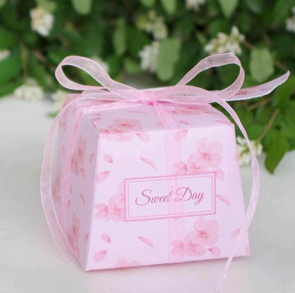 Sweet Day Favor Box With Ribbon - Unique Wedding Favors & Door Gifts ...